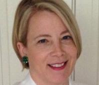 Betsy Santarlasci Headshot