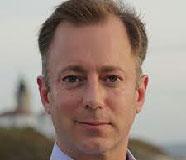 Derek Hansen Headshot