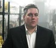 Mike Hallock Headshot